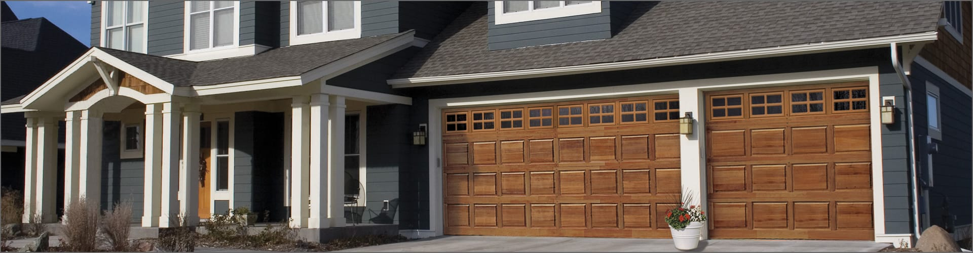 House with wood garage door - Looking For Something A Bit More Detailed Click Here To View Wooden Carriage House Doors